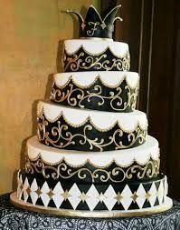 Black and gold wedding cake: a must for my future wedding. Fancy Wedding Cakes, Wedding Cake Photos, Wedding Cake Decorations, Wedding Cake Designs, Fancy Cakes, Wedding Ideas, Gold Wedding, Dream Wedding, Wedding Stuff