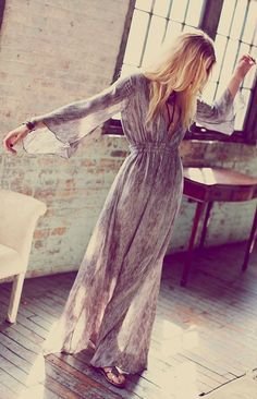 A few of my personal favorite boho outfit! I really like the pass and artistic considering the hippies spirit! Hippie Mode, Hippie Style, Bohemian Style, Gypsy Style, Bohemian Lifestyle, Bohemian Jewelry, Long Sleeve Maxi, Maxi Dress With Sleeves, Sleeved Dress