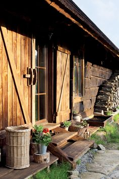 Including the woodpile. And a lovely Red Bloom to add some colour. Country Life, Country Living, Alpine Chalet, Living Roofs, Wooden House, Small House Plans, House In The Woods, Rustic Design, Exterior