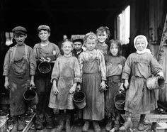 Lewis Hine - Nine of these children from 8 years old up go to school half a day, and shuck oysters for four hours before school and three hours after school on school days, and on Saturday from 4 A.M. to early afternoon. 1911.jpg (JPEG Image, 1600 × 1262 pixels)