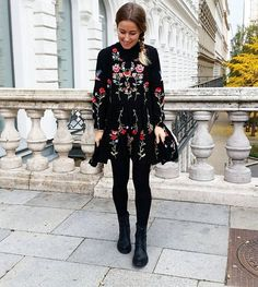 Happy Girl 👱❤ Schönen abend ihr Schnuckiiis 💛 ich kann euch Wien echt empfehlen, es ist eine so schöne Stadt🎡.. Muuuuahhhzz 💋  #vienna #wien #ootd #outfit #girl #tuesday #instadaily #blogger_de #blogger #fashionblogger_de #travelblogger_de #prettylittleiiinspo #hairsandstyles #dresses_up #dressmyfashion #americanstyle #me #ombre #blonde #chicwish #wedding #weddinghair #dress #streetwear #streetstyle #blonde #style #styleblogger #blogpost