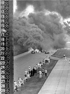 1964 Sachs - McDonald Indy 500 turn four crash from pagoda-pit angle Indy Car Racing, Dirt Track Racing, Indy Cars, Drag Racing, Indianapolis Motor Speedway, Indianapolis Race, Cowgirl Photo, Classic Race Cars, Old Race Cars