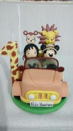 Topo bolo Mickey safari elsi biscuit