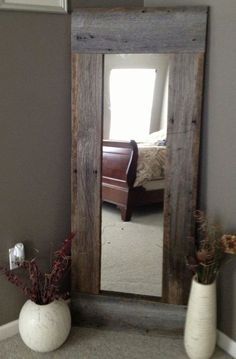 Full Length Barn Wood Mirror For hallway DIY with cheap mirror and repurposed wood - 40 Rustic Home Decor Ideas You Can Build Yourself - Page 7 of 9 - DIY Crafts Barn Wood Mirror, Pallet Mirror, Rustic Mirrors, Barn Wood Decor, Wood Home Decor, Barn Wood Shelves, Barn Wood Bathroom, Rustic Wood Crafts, Modern Mirrors