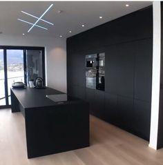 Beautiful matte black kitchen in nordic style. Apartment Kitchen, Home Decor Kitchen, Kitchen Interior, Home Interior Design, Modern Kitchen Design, Modern House Design, Black Kitchens, Home Kitchens, Küchen Design