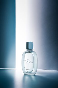 A mi aire on Behance - Perfume - Beauty Photography, Object Photography, Industrial Photography, Still Life Photography, Product Photography, Photography Composition, Photography Lighting, Advertising Photography, Commercial Photography