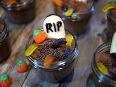 Mason Jar Halloween Spooky Cake Craft for Kids