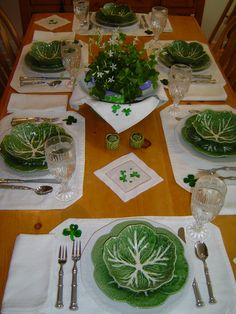 Look at this cute St. Patrick's Day Table  setting with cabbage shaped dinnerware.  Adorable isn't it?
