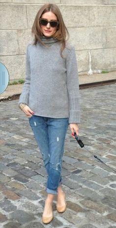 Grey Sweater, boyfriend jeans, grey flats
