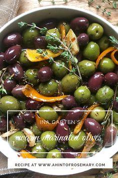 ina garten's warm marinated olives – a hint of rosemary garten appetizer recipe ina garten's warm marinated olives Appetizer Dips, Appetizers For Party, Appetizer Recipes, Warm Appetizers, Parties Food, Olive Recipes, Italian Recipes, Tapas, Roasted Olives