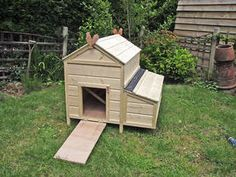 Useful sites: Feeding and Housing Chicken Images, Chicken Houses, Outdoor Furniture Sets, Outdoor Decor, Poultry, Shed, Outdoor Structures, Home Decor, Chicken Coops