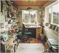 Writing Space: spacious, inviting creativity, yet grounded, allowing solid images into your head Room Of One's Own, My New Room, Writers Desk, Writing Studio, Home Studio, Living Spaces, Living Room, Sweet Home, House Design