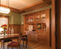 Column on each side. Rich Mahogany Wood takes center stage in this Traditional Dining Room ~ Craftsman Style Kitchen Cabinets Design, Pictures, Remodel, Decor and Ideas - Daily Home Decorations Craftsman Style Interiors, Craftsman Interior, Craftsman Style Homes, Home Interior, Craftsman Houses, Craftsman Style Furniture, Craftsman Decor, Interior Paint, Craftsman Dining Room
