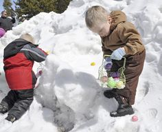 """""""Kids scour snow for hidden treats at Easter egg hunt"""" -- This looks way wrong to this Florida resident!!"""