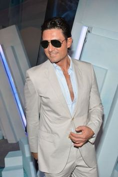 Super hot telenovela actor Fernando Coulnga in Premios Juventud 2012