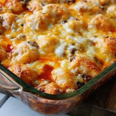 Hamburger Noodle Bake is a great casserole lunch.  Served with Green Beans and Chips.  Followed by Apple Coffee Cake. Be sure to call me when lunch is ready!