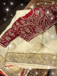 Pattu Saree Blouse Designs, Blouse Designs Silk, Bridal Blouse Designs, Kurta Designs, Blouse Patterns, Bridesmaid Saree, Wedding Saree Collection, Kurti Embroidery Design, Indian Bridal Fashion