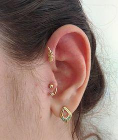 Piercing tragus ferradura 69 ideas for 2019 Piercing No Tragus, Double Lobe Piercing, Orbital Piercing, Smiley Piercing, Cartilage Stud, Ear Piercings, Triple Forward Helix, Piercings For Girls, Labret