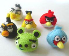 Angry birds in felt... Kaiden's birthday gift :)