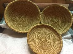 Contemporary decorative baskets / decorative plates / woven bowl decor/ woven plates decor/ africa baskets/African decor art/ Vintage art/ Decorative Baskets, Decorative Accessories, Decorative Bowls, Winter Bedroom Decor, African Art Paintings, African Theme, Selling Handmade Items, Market Baskets, Home Design Decor