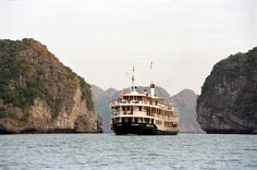 Cruise Halong bay with Emeraude Classic Cruise. Details at: http://www.vktour.com