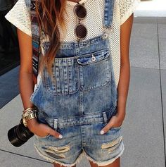 This is a cute pic of a summers outfit