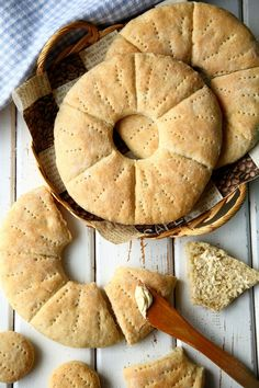Kaurareikäleipä - Suklaapossu Apple Pie, Bread Recipes, Diet Recipes, Food Inspiration, Biscuits, Bakery, Food And Drink, Yummy Food, Cooking