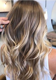 Are you going to balayage hair for the first time and know nothing about this technique? We've gathered everything you need to know about balayage, check! Natural Blonde Balayage, Hair Color Highlights, Ombre Hair Color, Hair Color Balayage, Ombre Bob, Honey Balayage, Natural Hair Colour, Dark Blonde With Highlights, Dark Blonde Hair With Highlights