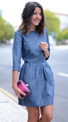 Outfits with denim dress With the arrival of spring-summer we have to look for garments that in addi Chambray Dress, Jeans Dress, Demin Dress Outfit, Dress Outfits, Cute Dresses, Casual Dresses, Denim Dresses, Denim Outfits, Blue Dress Casual