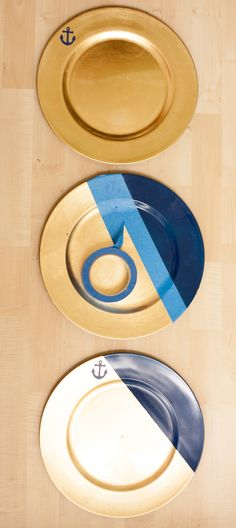 Modern Plate Charger DIY -- easy custom plate chargers for parties! #tablecsape #tutorial #placesetting