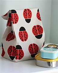 DIY Lunch Sack - You could also give it a waterproof lining to protect from leaky lunches
