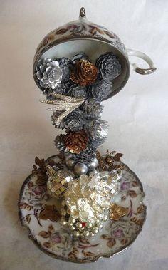 17 idei de obiecte decorative din cescute, idei care ne pun creativitatea la incercare Cum transformam cestile pentru cafea in obiecte decorative uimitoare? Raspunsul il aflam urmarind aceste 17 idei creative http://ideipentrucasa.ro/17-idei-de-obiecte-decorative-din-cescute-idei-care-ne-pun-creativitatea-la-incercare/