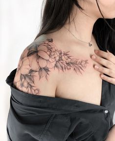 43 Beautiful Penoy Flower Tattoo Design ideas for Fashion Woman page 10 of 43 . - 43 Beautiful Penoy Flower Tattoo Design ideas for Fashion Woman page 10 of 43 tattoos ta - Henna Tattoo Designs, Flower Tattoo Designs, Tattoo Designs For Women, Tattoos For Women Small, Small Tattoos, Floral Tattoos, Cool Shoulder Tattoos, Mens Shoulder Tattoo, Shoulder Tattoos For Women