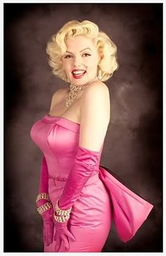 Marilyn was an amazing women.  Beautiful, vulnerable, talented and shy.  Pink is Marilyn.  She makes this color confident, sexy and bold.  We adore her.  #comfortinfashion