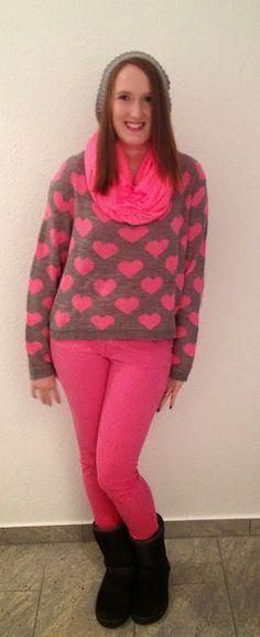Pink Heart Sweater and Pink Pants http://amyfashionblog52.blogspot.de/2013/12/pink-heart.html