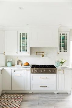 Turquoise blue kitchen accents