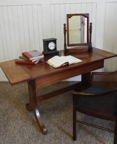 Antique mahogany sofa table / writing desk / dressing table
