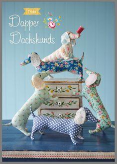 Szövetek és gyapjú játékokhoz, babákhoz Tild et al VK Sewing Patterns Free Home, Doll Patterns Free, Tilda Toy, Fabric Animals, Fabric Toys, Dog Pattern, Pattern Sewing, Free Pattern, Sewing Dolls