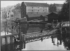 Amsterdam, Realengracht met de oude Drieharingen brug.