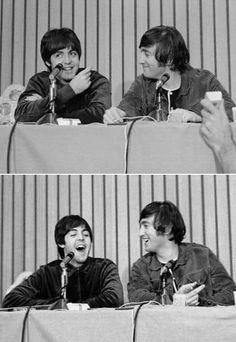 Paul McCartney and John Lennon Les Beatles, Beatles Band, John Lennon Beatles, Jhon Lennon, The Quarrymen, El Rock And Roll, John Lennon Paul Mccartney, Beatles Photos, Love Me Do