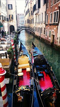 """""""Gondola, Venice""""  YOU ARE INVITED TO READ AN INTERESTING ARTICLE ABOUT THIS TOPIC IN THE FOLLOWING LINK:  http://wol.jw.org/en/wol/d/r1/lp-e/102007169 - jw.org/en  """"Góndola, Venecia""""  LEA UN INTERESANTE ARTÍCULO SOBRE ESTE TEMA EN EL SIGUIENTE ENLACE:  http://wol.jw.org/es/wol/d/r4/lp-s/102007169 - jw.org/es"""