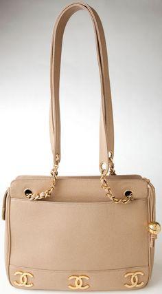 Vintage: Chanel Beige Caviar Leather Shoulder Bag with  Gold Hardware.