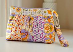 Quilt Inspiration: just oneof lotsof Free pattern day: purses, handbags and zipper bags