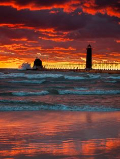 https://flic.kr/p/diCX3k | Grand Haven Pier and Lighthouse | Ottawa County, MI October 10