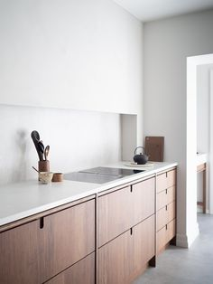 Excellent modern kitchen room are available on our internet site. Have a look and you wont be sorry you did. Farmhouse Style Kitchen, Modern Farmhouse Kitchens, Rustic Kitchen, Home Kitchens, Kitchen Decor, Contemporary Kitchens, Kitchen Designs, Western Kitchen, Studio Kitchen