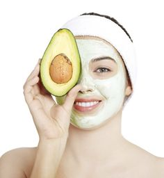 Having healthy skin doesn't have to be expensive. These home made, natural skin care recipes will keep your skin looking great and your wallet full. Honey Face Mask, Best Face Mask, Natural Face, Natural Skin Care, Natural Beauty, Mask For Dry Skin, Avocado Face Mask, Homemade Facials, Skin Care Products
