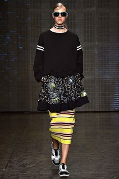 Find every look from the DKNY Spring 2015 collection on Vogue.com.