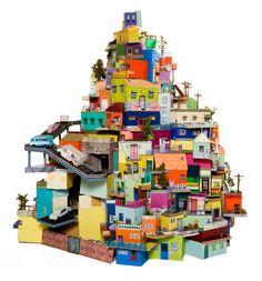 Ana Serrano , escultura en carton. Collectif ma maison idéale? La vie dans le futur.. Ou peut être un regard sur la sur consommation