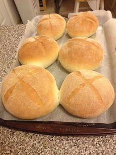 brood van moufida griesmeel - Apocalypse Now And Then Moroccan Bread, Tapas, Levain Bakery, Algerian Recipes, Mini Burgers, Home Baking, Arabic Food, Bread Baking, Food And Drink