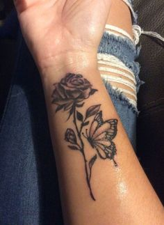 Best Small Tattoo Placement Ideas for Female – Tattoo Styles & Tattoo Placement Cool Small Tattoos, Girly Tattoos, Mini Tattoos, Sexy Tattoos, Body Art Tattoos, Sleeve Tattoos, Tatoos, Ankle Tattoos, Feminine Tattoos
